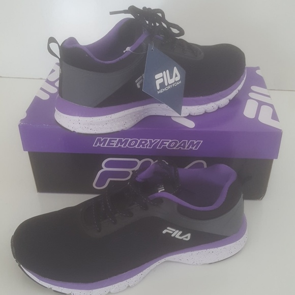 Fila Mujeres De Los Zapatos Negro Y Púrpura P9hkR69YR